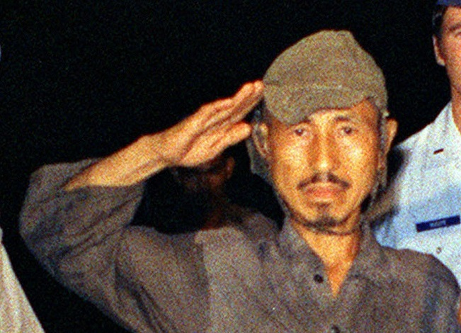 lieutenant-hiroo-onoda-officially-finishes-wwii-19