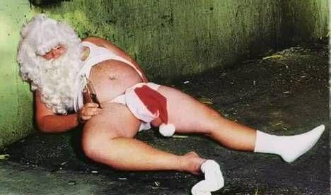 pere noel nu Chronique humoristique : la liste au père Noël hocke   #adg pere noel nu