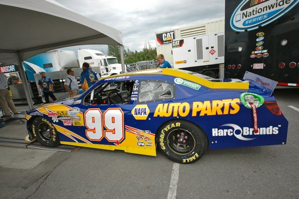 La voiture de Patrick Carpentier au moment o� elle entrait � l'inspection. (Photo : Daniel Rufiange)