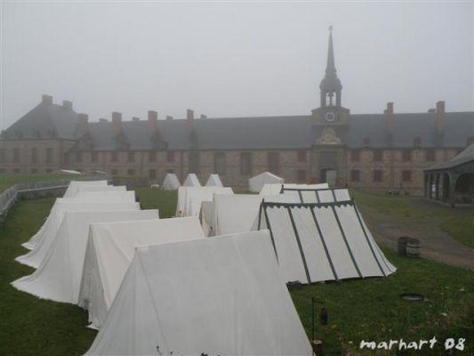 Campement lors d'une activité. Photo des Miliciens