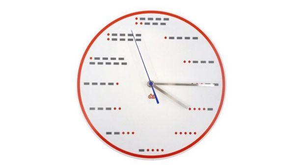 La Morse Code Clock indique l'heure en code morse.