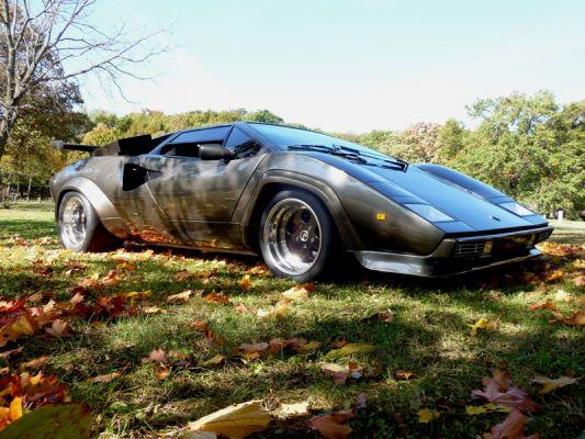 Lamborghini contach faite à la main!