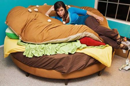 10 lits originaux ils vous tonneront adg. Black Bedroom Furniture Sets. Home Design Ideas