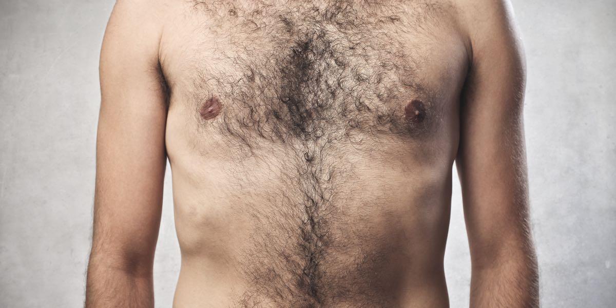 Il y a encore quelques années, la plupart des gays se rasaient les.