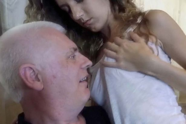 Annesini Siken Çocuk Pornosu Videos From JizzBunkercom