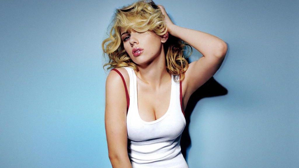 Les plus beaux seins naturels du monde sous vetements erotique femme