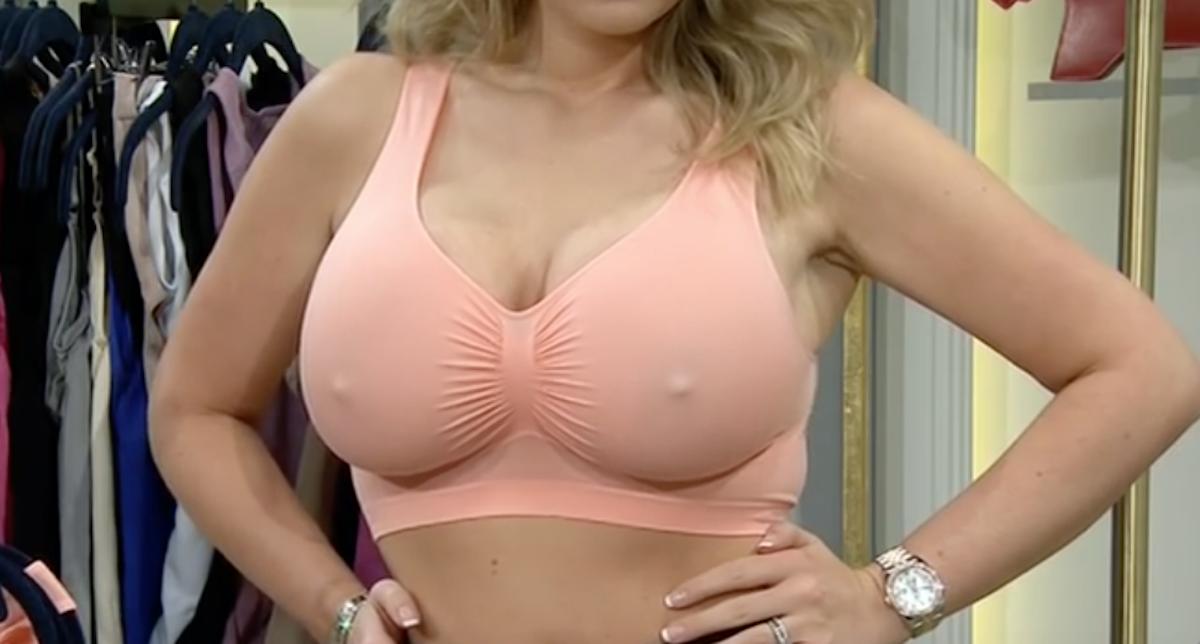 Filles aux seins gigantesques