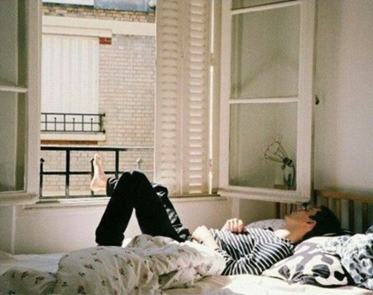 plaisir de vivre seul adg. Black Bedroom Furniture Sets. Home Design Ideas