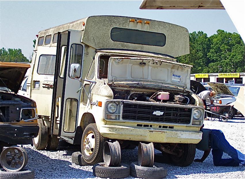 15 camions abandonn s vendre adg. Black Bedroom Furniture Sets. Home Design Ideas