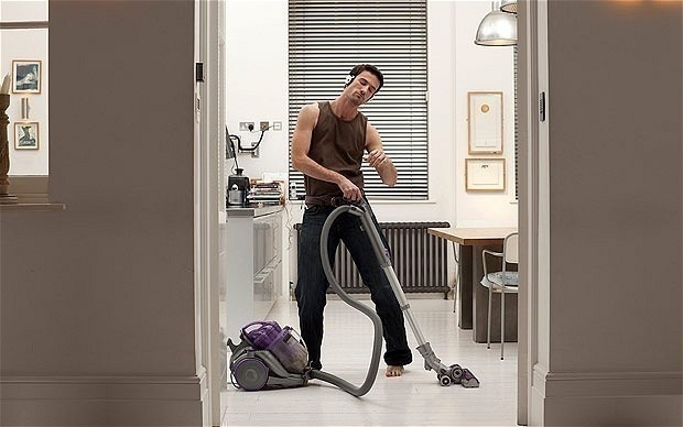 http://i.telegraph.co.uk/multimedia/archive/02171/vacuuming-_2171768b.jpg