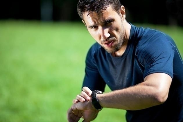 http://www.mensfitness.com/sites/mensfitness.com/files/imagecache/node_page_image/blog_images/man-checks-pulse-interval-training-main.jpg
